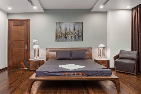 Giường gỗ óc chó hiện đại GN-23 Soi chỉ đầu giường